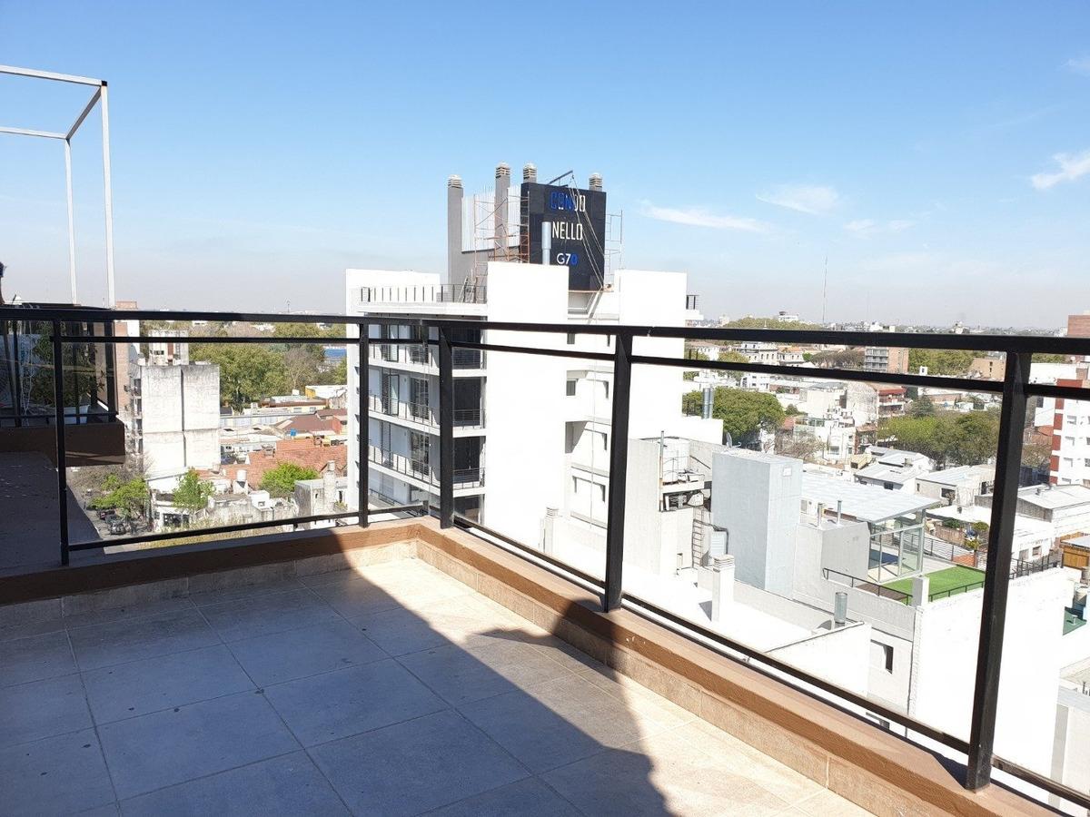 vendo departamento 2 dormitorios con balcon amplio al frente - a estrenar