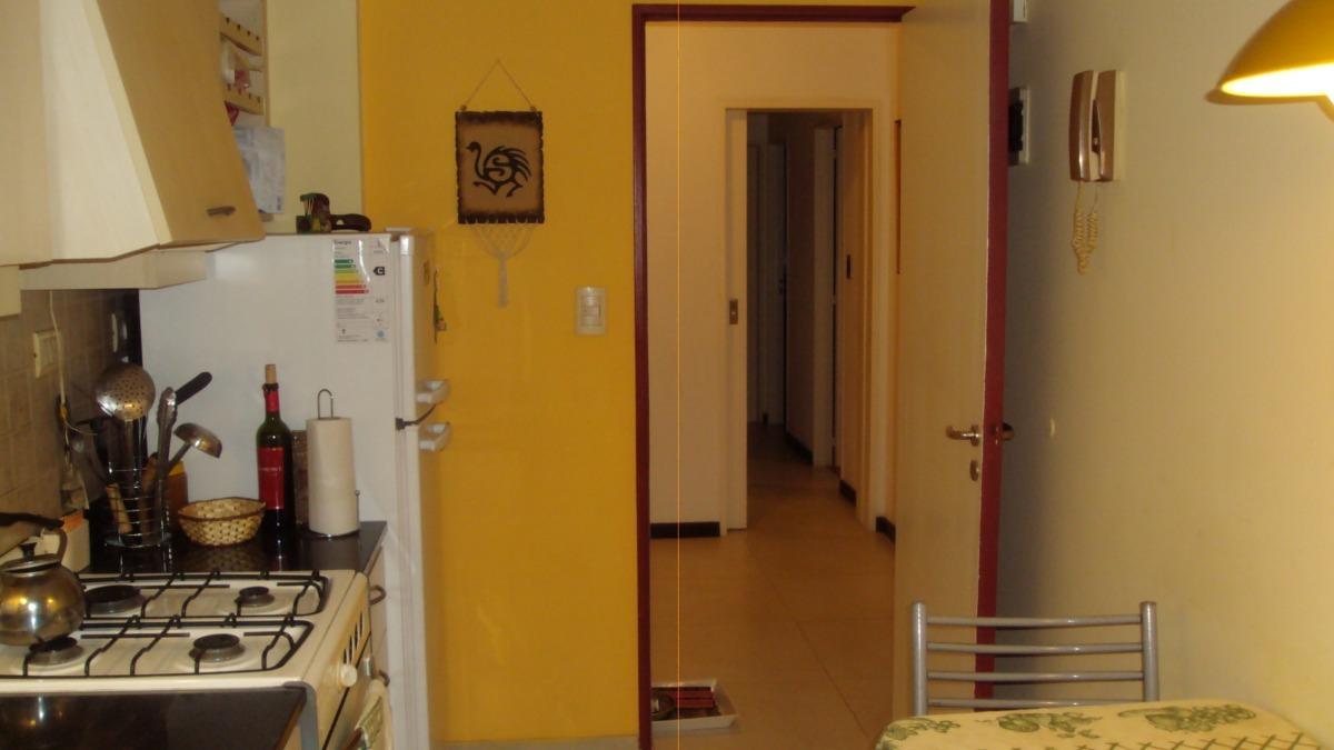 vendo departamento 4 ambientes zona centro