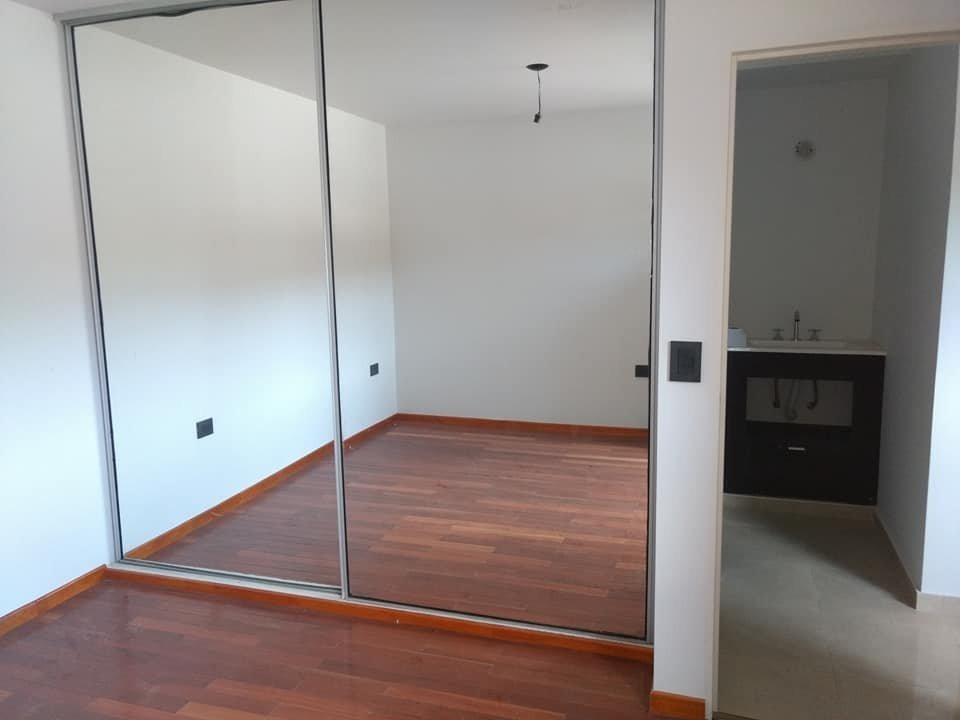 vendo departamento con ( 1) dormitorio con cochera y pileta