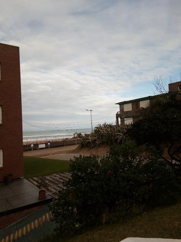 vendo departamento en pinamar cerca  del mar