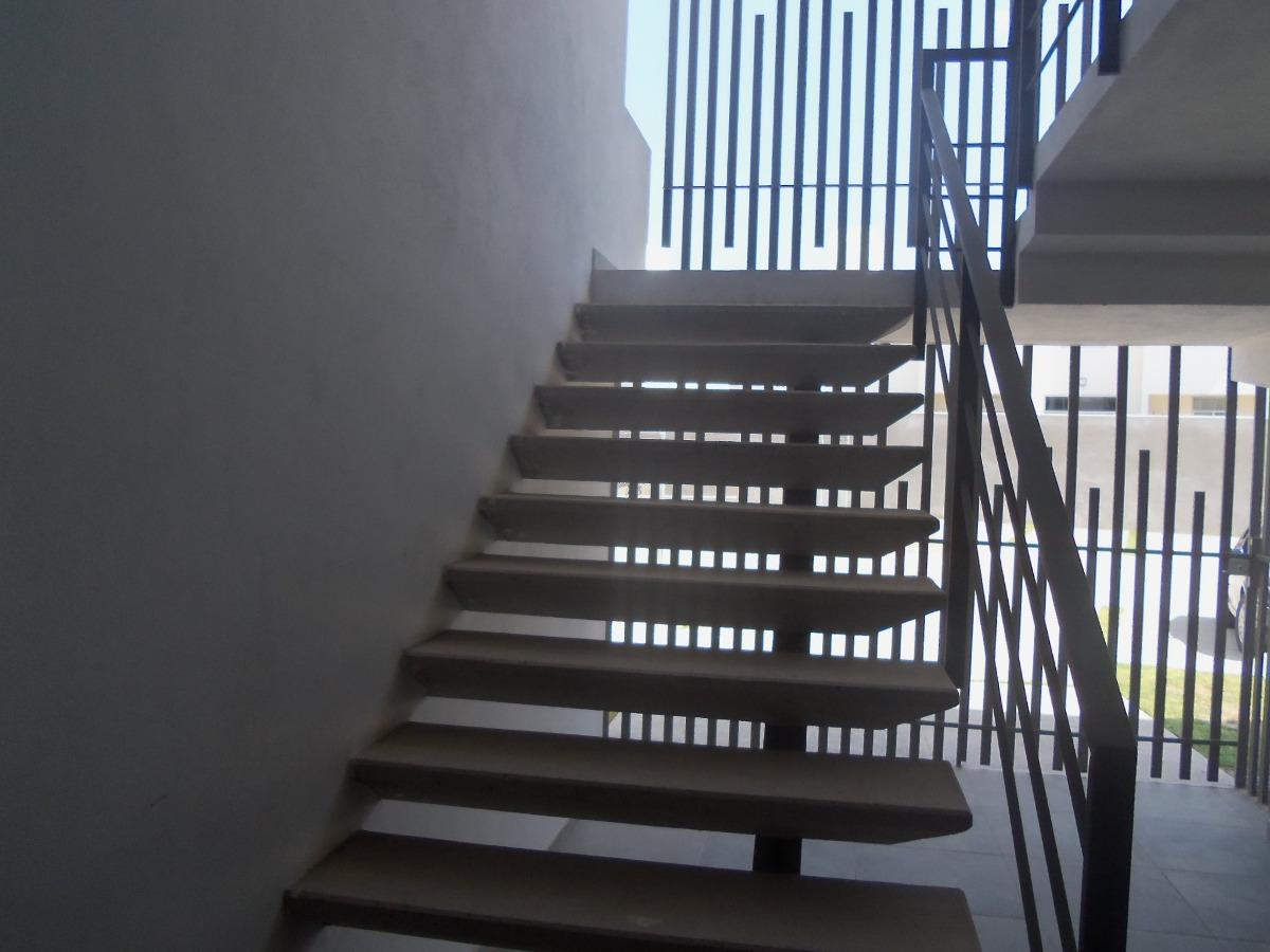 vendo departamento en primer piso con alberca