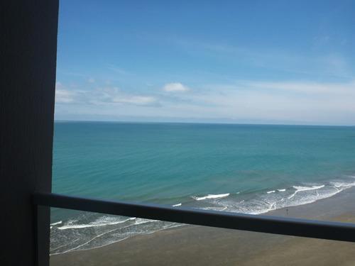 vendo departamento frente al mar tonsupa esmeraldas