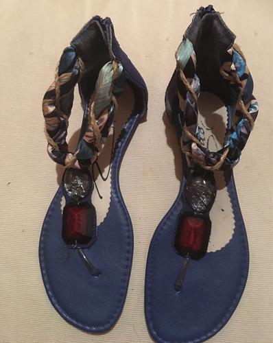 vendo divinas sandalias con piedras razo azul