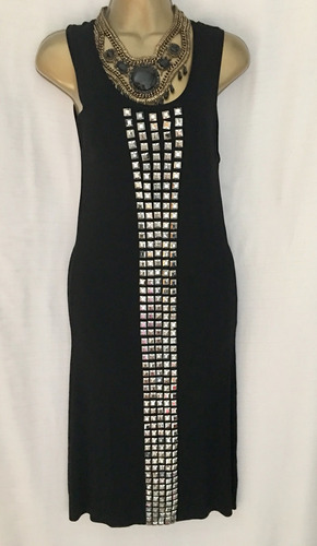 vendo divino vestido negro con metales