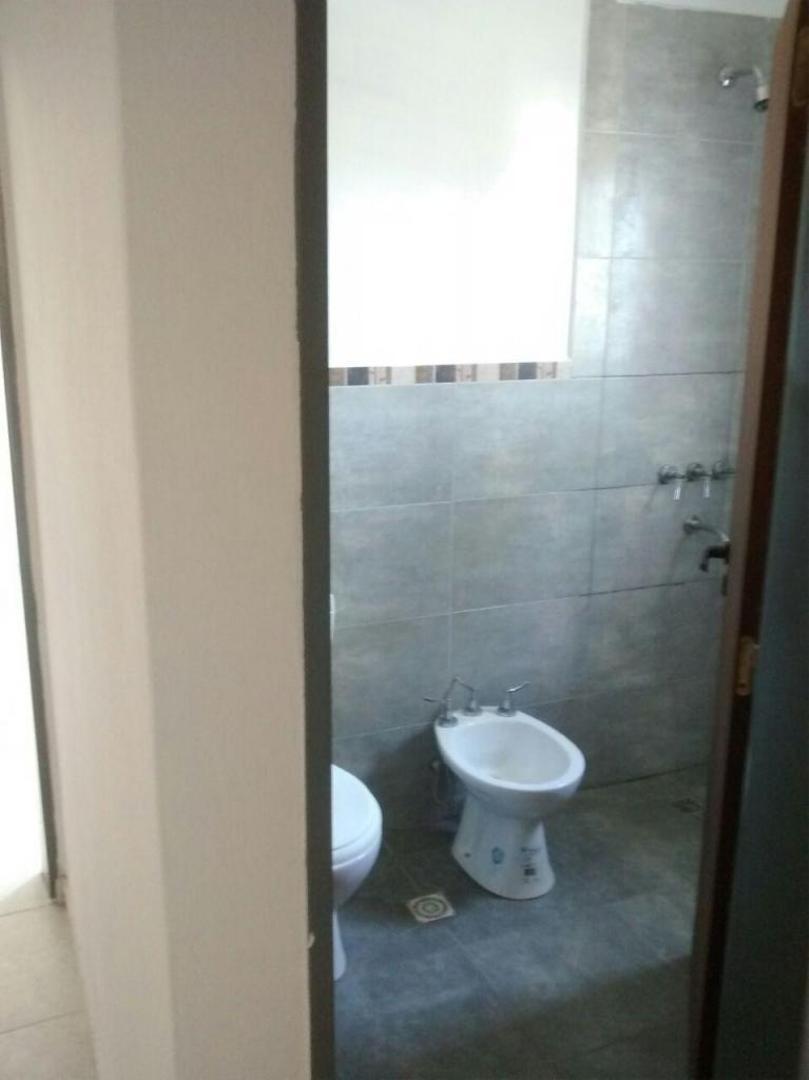 vendo duplex 2 dormitorios en villa allende-apto crédito