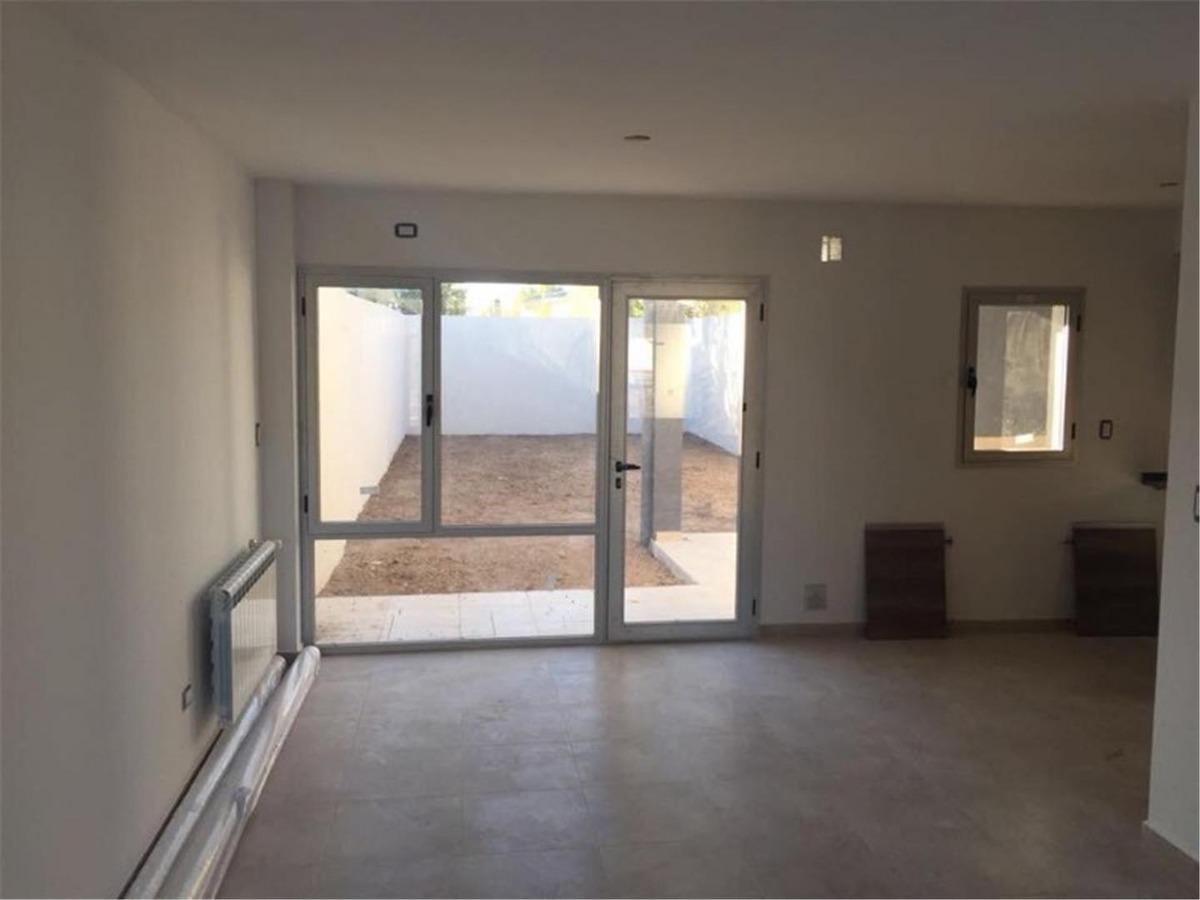 vendo duplex 3 habitaciones, a estrenar, b° tierra mansa!!