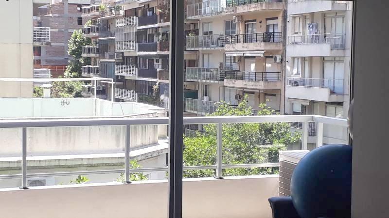 vendo en las cañitas, 2 ambientes al frente con balcón
