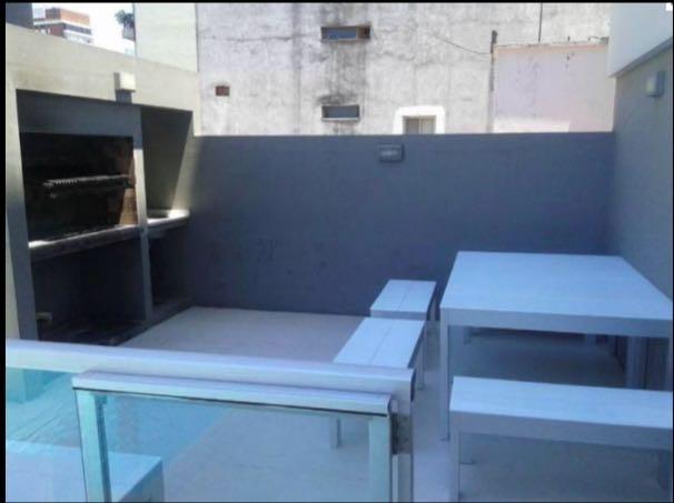 vendo en las cañitas. moderno 2 ambientes con balcón. frente