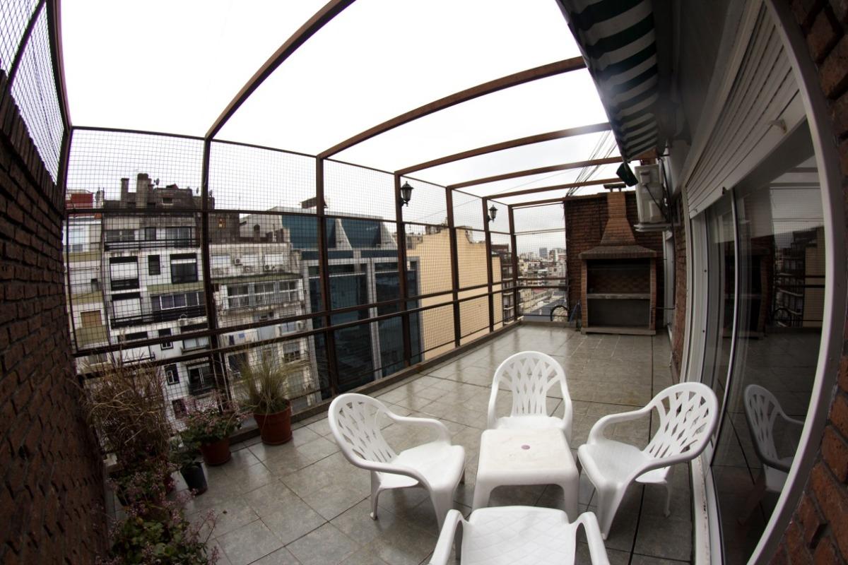 vendo en recoleta. dúplex al frente con balcón terraza