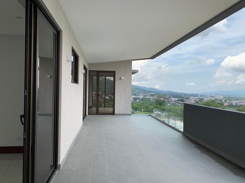 vendo espectacular apartamento  lomas del valle santa ana
