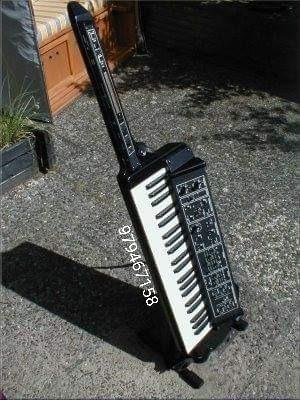 vendo espectacular y unico sintetizador analogo moog liberat