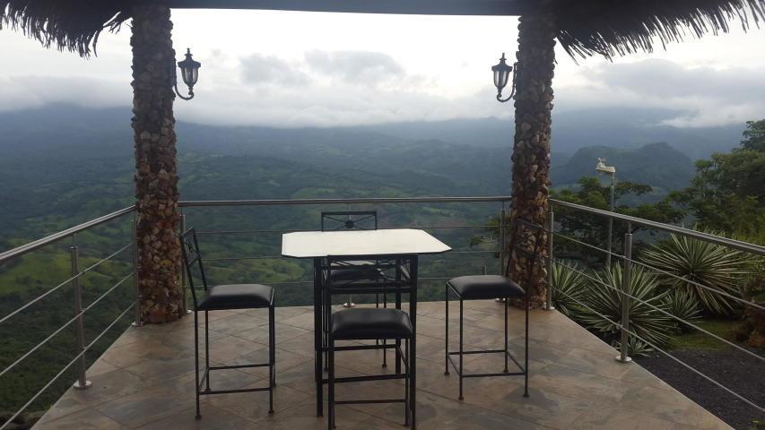 vendo espléndida casa de montaña en sora, chame 19-6410**gg*