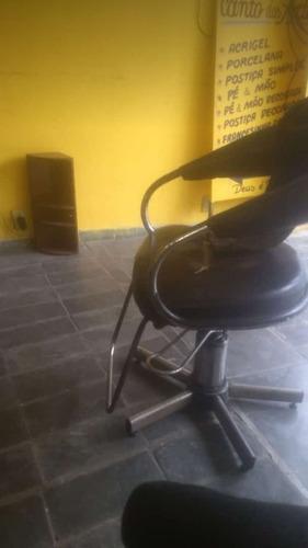 vendo essa cadeira de corta cabelo idraulica