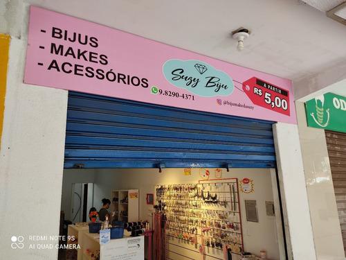 vendo estoque da loja de bijuteria acessórios e maquiagem