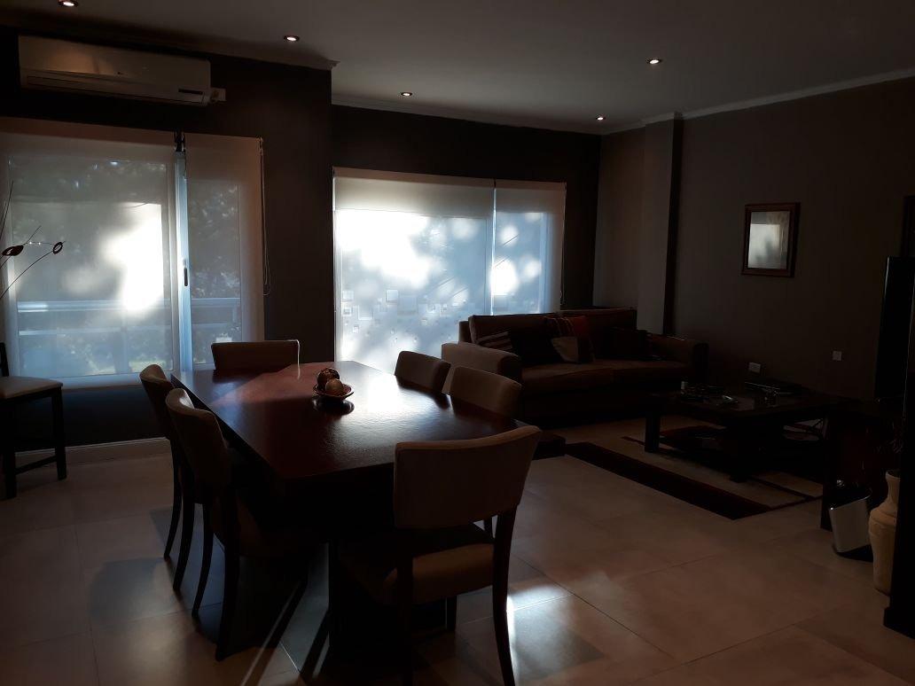 vendo excelente departamento de 2 dormitorios. gral. paz al 1500