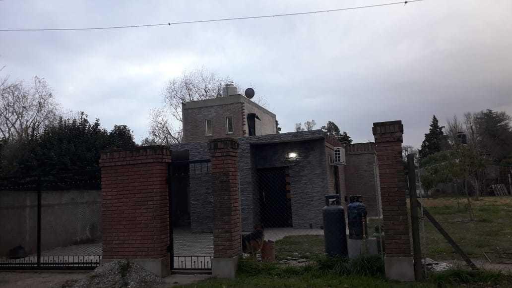 vendo excepcional casa en solares de santa rosa andino