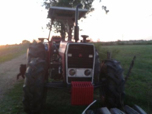 vendo financio ya la maquinaria para forraje  y tractor