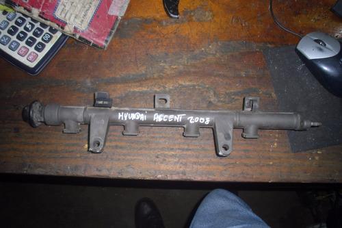 vendo flauta de combustible de hyundai accent año 2008