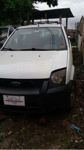 vendo ford ecosport año 2004 por piezas