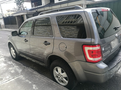 vendo ford escape 3.000 ,año 2009