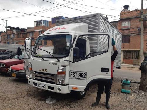vendo furgon jac 2019 como nuevo