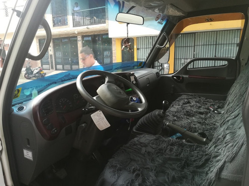 vendo furgon refrigerado como nuevo marca hyundai