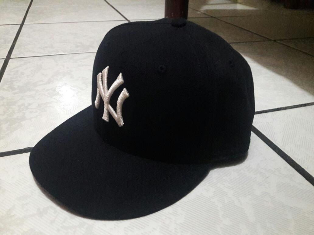 dc559a02f206d Vendo Gorra Mlb Original Yankees -   400.00 en Mercado Libre