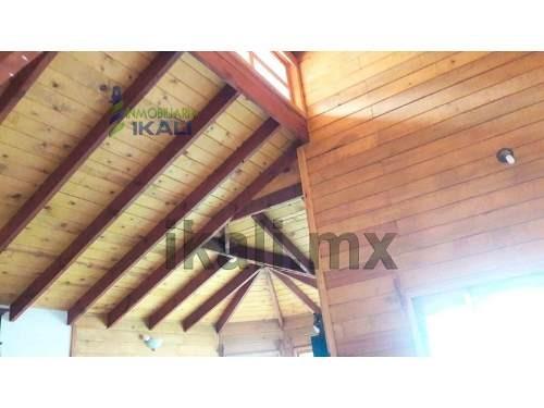 vendo hermosa cabaña de madera col sipeh animas xalapa veracruz 2 recámaras, frente al casino y a icuver a espaldas de la agencia mitsubishi, de  cuenta con 160 m² de terreno y 81 m² de construcción,