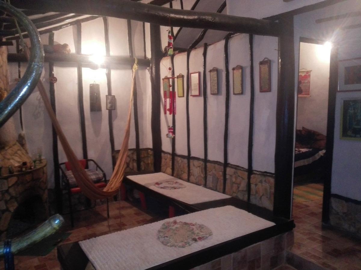 vendo hermosa cabaña en la colonia tovar, excente inversion.