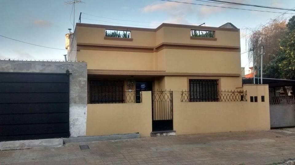 vendo hermosa casa de 4 amb cochera y patio!!!