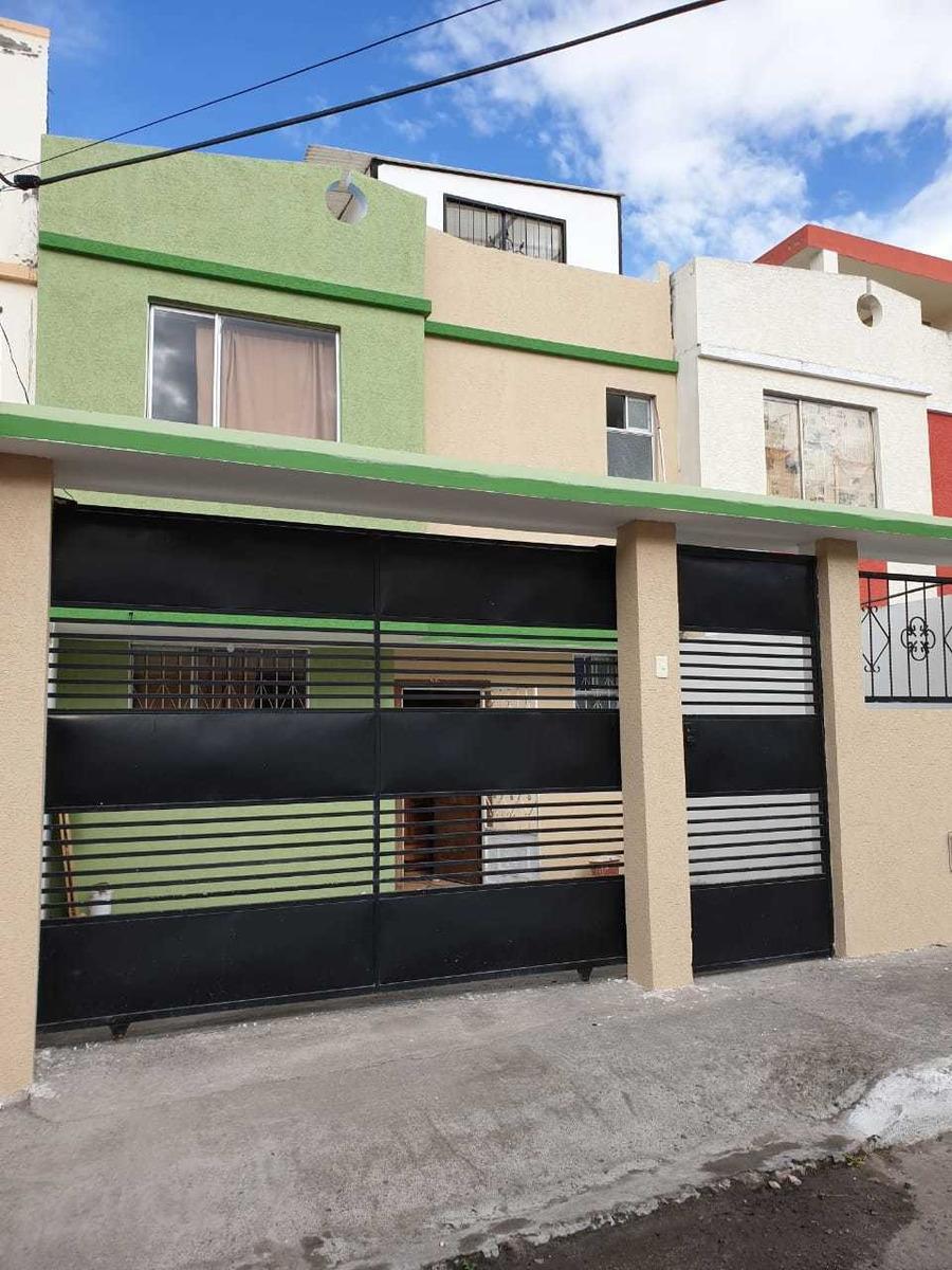 vendo hermosa casa de dos pisos con terraza en ambato
