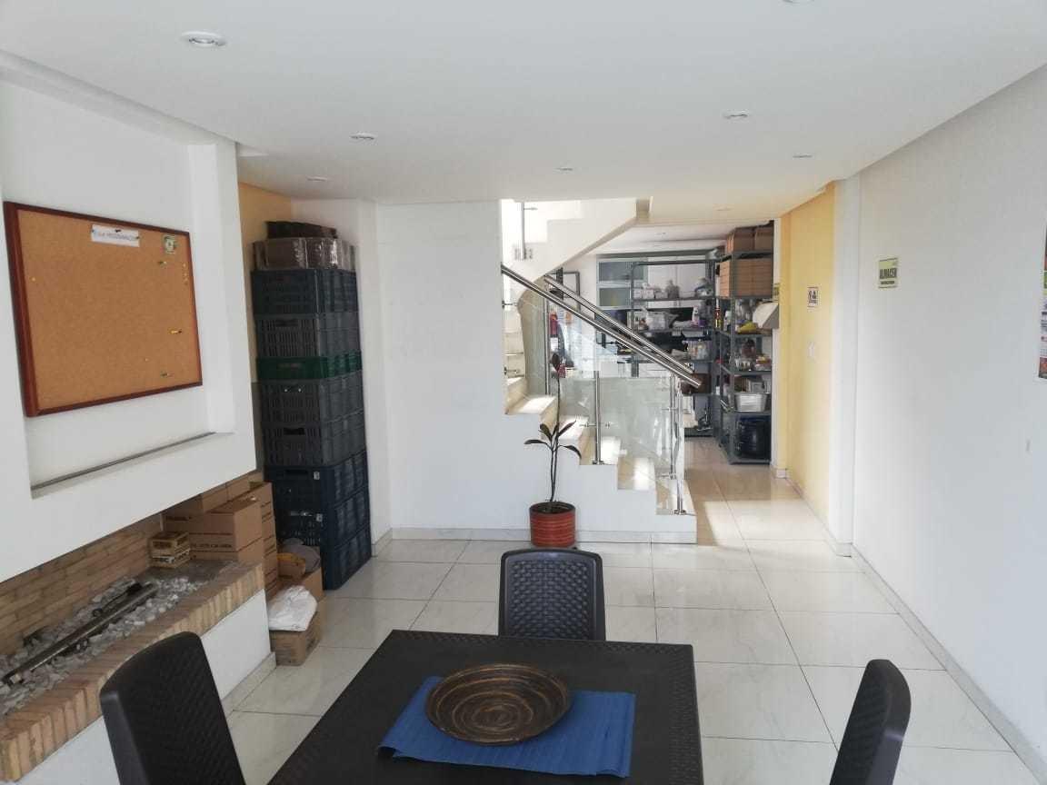 vendo hermosa casa esquinera en suba turingia negociable