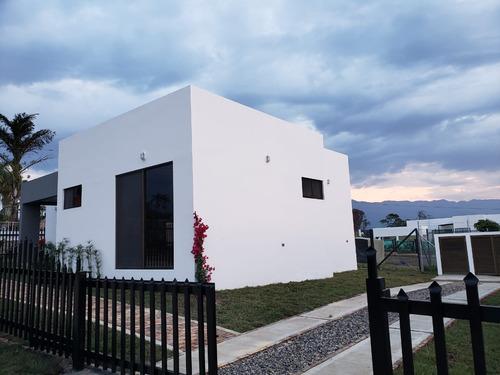 vendo hermosa casa para estrenar