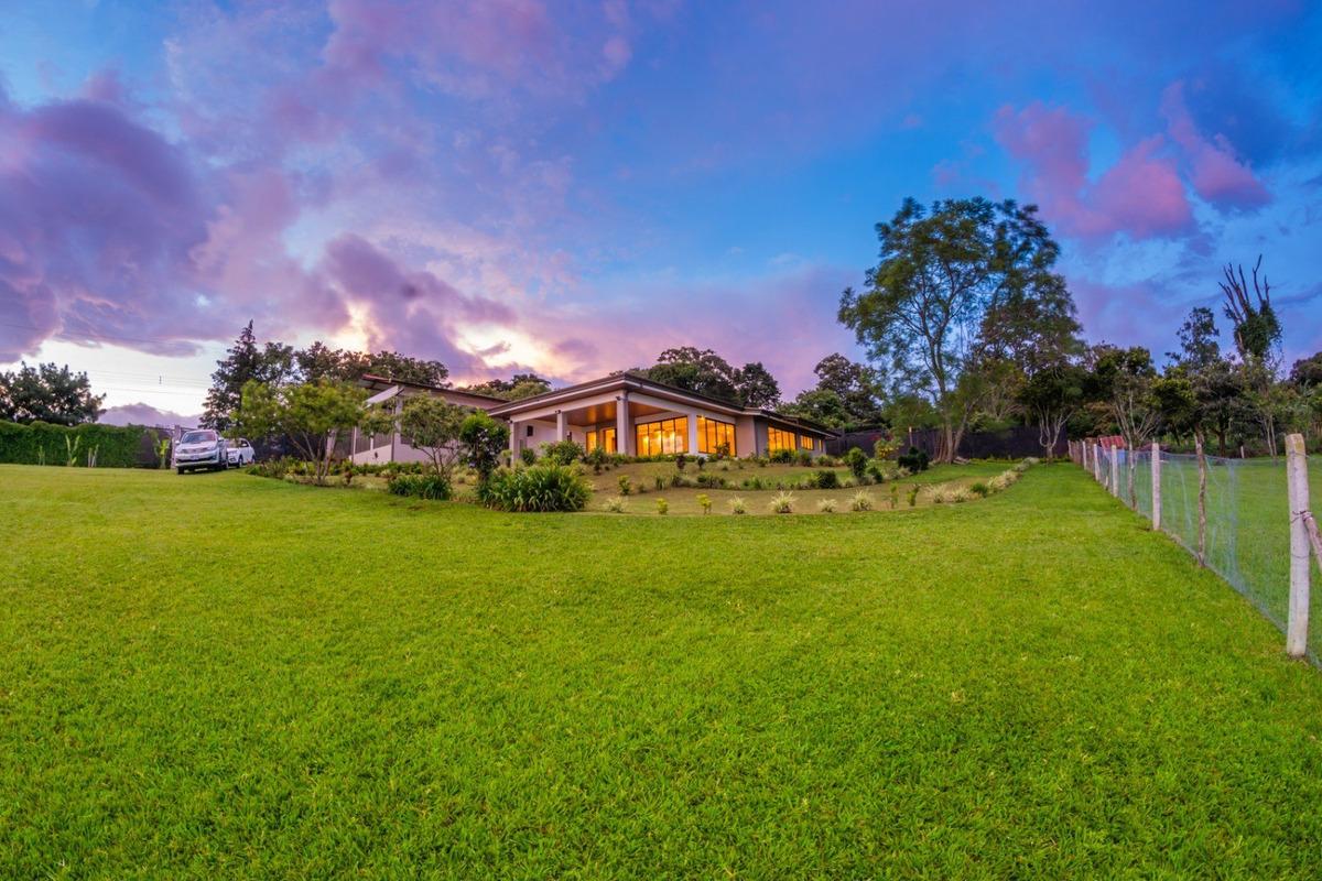 vendo hermosa propiedad con vista a todo el valle central