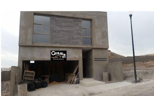 vendo hermosa residencia en albaterra!!