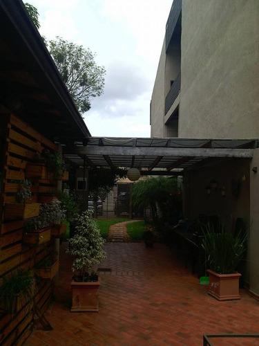 vendo hermosa y amplia residencia en barrio las mercedes asu
