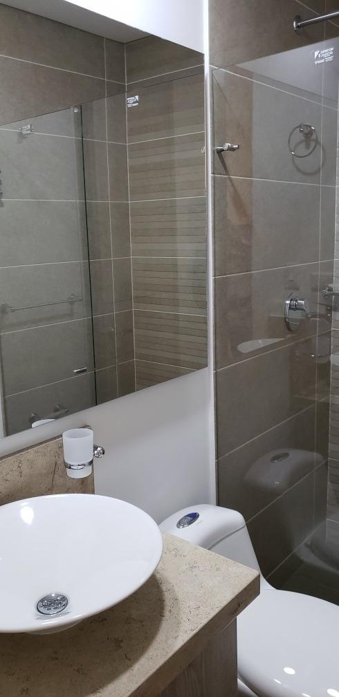 vendo hermoso apto en exclusivo sector residencial