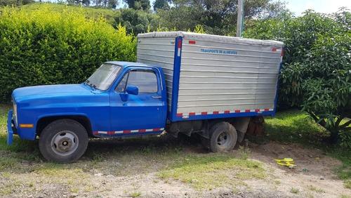 vendo hermoso camión chevrolet c 30 135