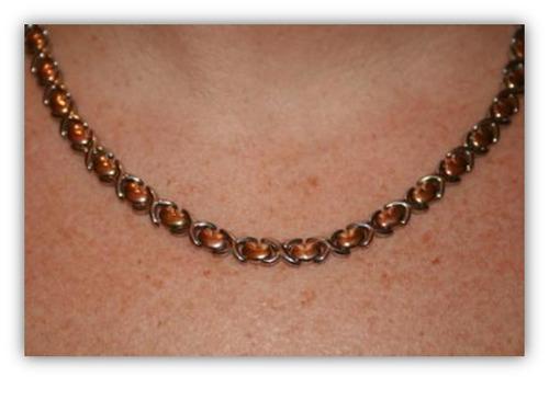 vendo hermoso collar de acero para damas