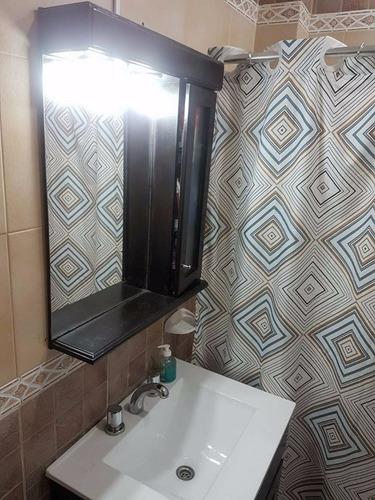 vendo hermoso triplex de 4 amb 2 baños cocher y patio f:1072