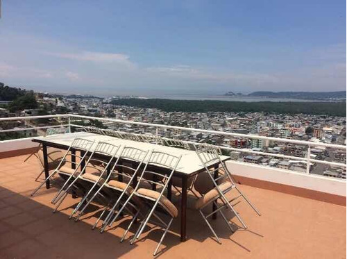 vendo hotel en esmeraldas con vista espectacular.
