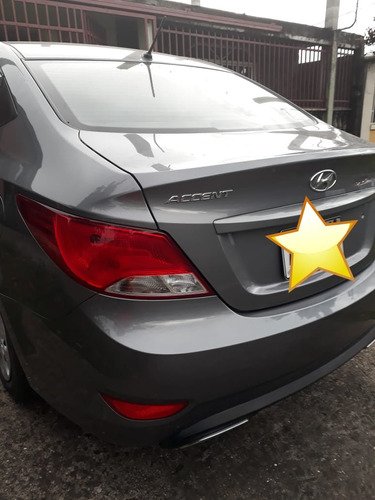 vendo hyundai accent 2016