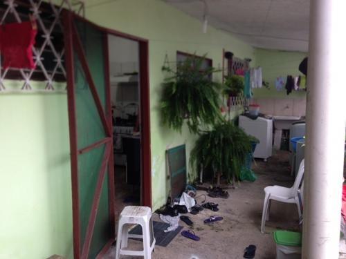 vendo igreja + 3 casas, 4 quartos, em itanhaém, só 120 mil