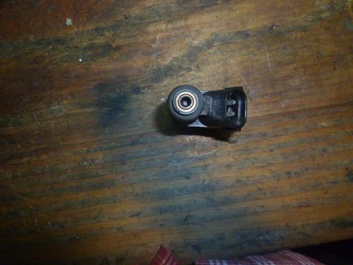 vendo inyector de skoda fabia, año 2006, # 03e 906 031