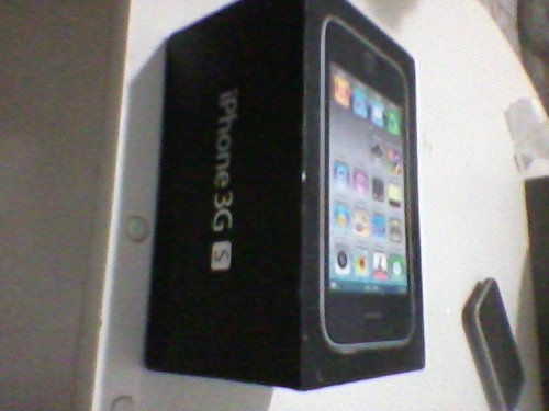 vendo iphone 3gs funcionando perfeitamente,caixa original.