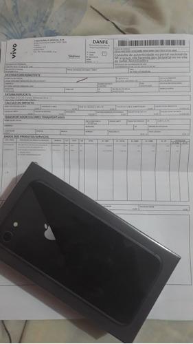 vendo iphone 8 lacrado nota fiscal garantia de 1 ano aplle!