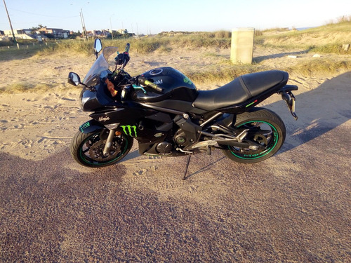 vendo kawasaki ninja 650r  uss 8000 dolares 46000 km