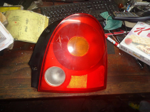 vendo lampara  trasera derecha de chery qq año 2009