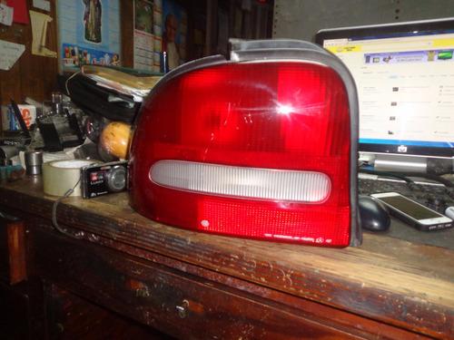 vendo lampara trasera izquierda de chrysler neon año 1998