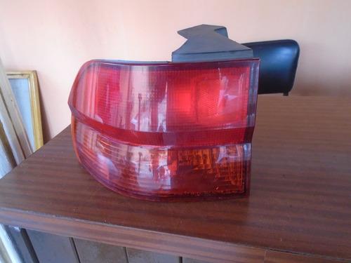 vendo lampara trasera izquierda de honda odyssey, año 2001
